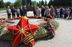 14 мая 2015г. - Возложение цветов к Вечному Огню в Парке Победы посвященное 70 летию Великой Победы